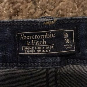 Abercrombie & Fitch Jeans - High rise dark wash jeans